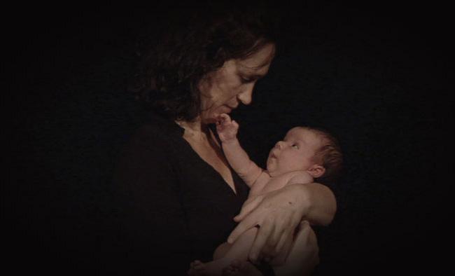 Neues Leben entsteht, es löst sich vom Körper der Mutter